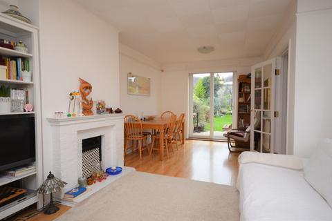3 bedroom terraced house to rent - Fermor Road London SE23