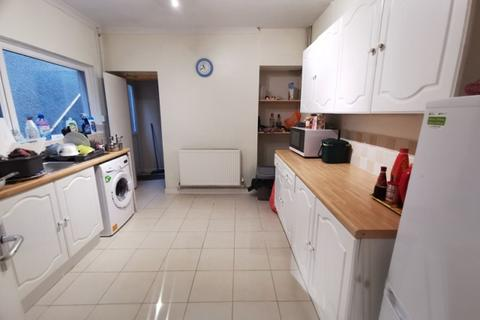 4 bedroom terraced house to rent - Kinley Street, St Thomas, Swansea. SA1 8HE
