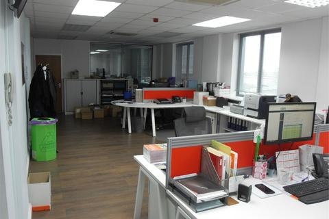 Office to rent - Northolt, Greater London, UB5