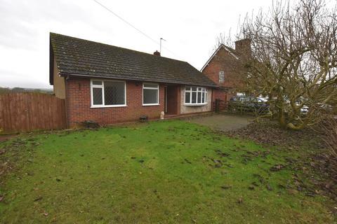 2 bedroom detached bungalow for sale - Main Road, Norton-In-Hales