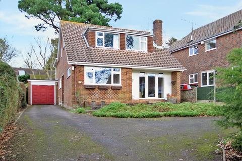 4 bedroom detached house for sale - Furze Road, High Salvington, Worthing BN13 3BH