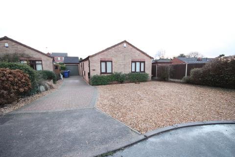 3 bedroom detached bungalow to rent - Cromwell Close, Tutbury, Burton Upon Trent