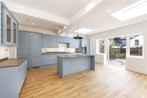 5 bedroom terraced house to rent - Alfriston Road, London, SW11