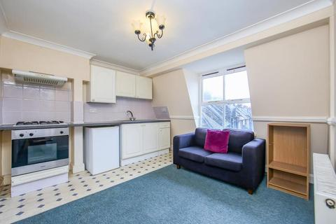 1 bedroom flat to rent - Dawes Street, London SE17