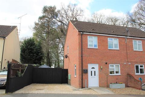 3 bedroom semi-detached house for sale - Regency Avenue, King's Lynn