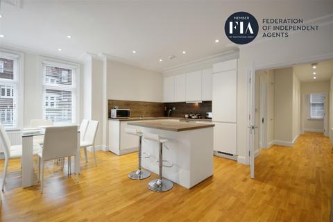 3 bedroom apartment to rent - Hamlet Gardens, Hammersmith