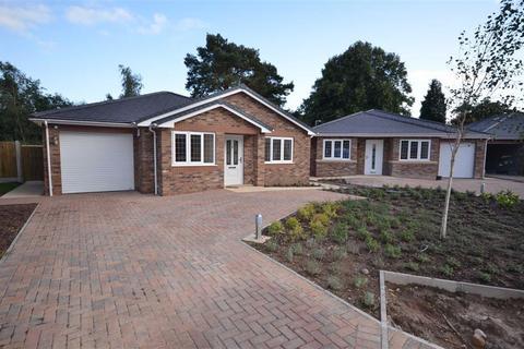 3 bedroom detached bungalow for sale - Groundslow Grange, Tittensor