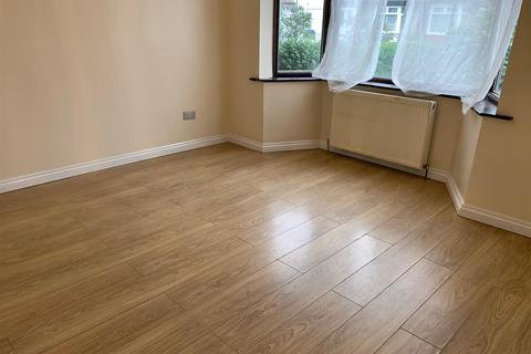 4 bedroom house to rent - Densworth Grove, London
