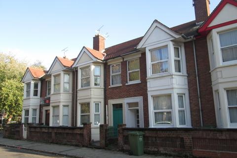 6 bedroom property to rent - Green Road, Southsea, PO5