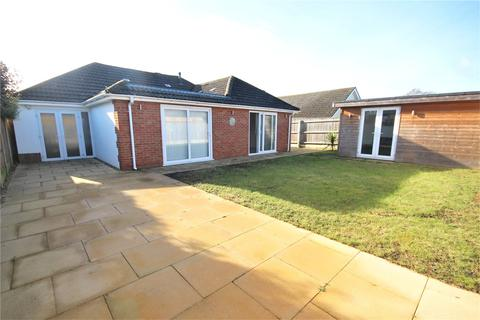 3 bedroom bungalow for sale - Steepleton Road, Broadstone, Dorset, BH18