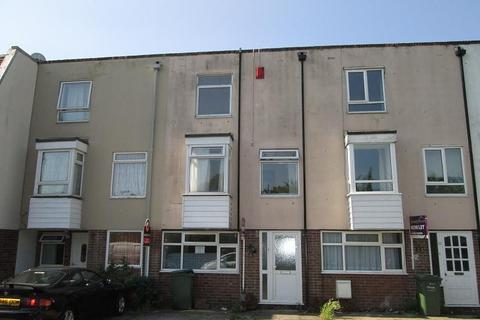 6 bedroom property to rent - Belmont Street, Southsea, PO5