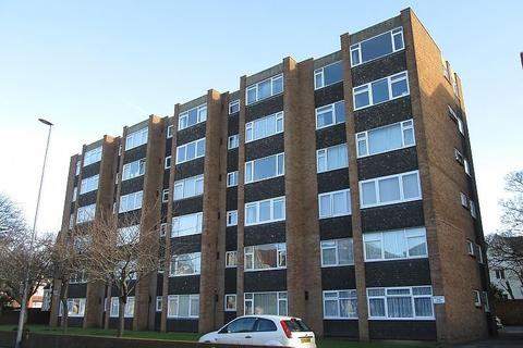 2 bedroom flat to rent - Hayes Court, Victoria Road North, Southsea, PO5