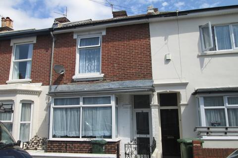 4 bedroom property to rent - Playfair Road, Southsea, PO5