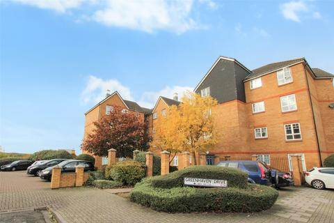 2 bedroom flat for sale - Greenhaven Drive, London, SE28