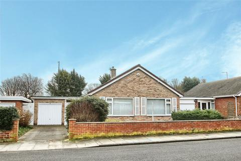 2 bedroom detached bungalow for sale - Raven Lane, Crooksbarn