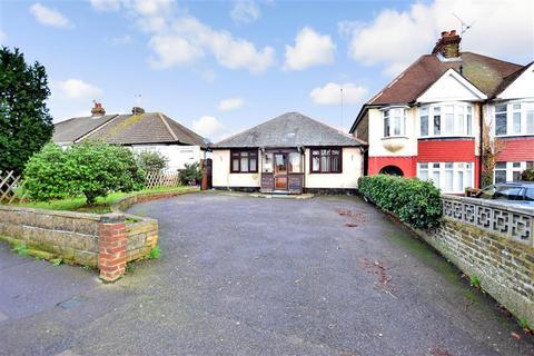 2 bedroom detached bungalow for sale - Grange Road, Gillingham, Kent