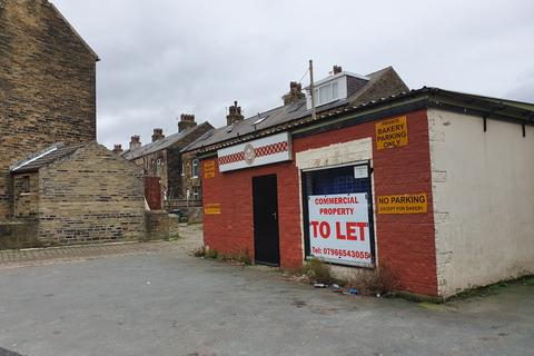 Property to rent - Fagley Road, Bradford, West Yorkshire BD2