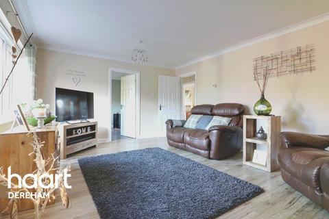 3 bedroom bungalow for sale - Heidi Close, Dereham