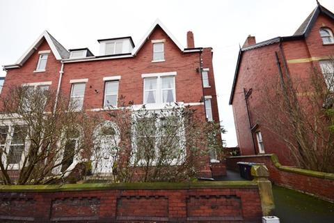 2 bedroom flat to rent - St Andrews Road South, St Annes, FY8