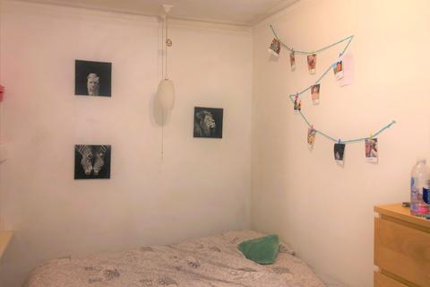 2 bedroom flat to rent - Bear Road, Brighton, BN2