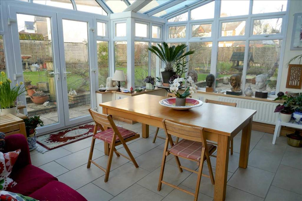 CONSERVATORY (accessed off Kitchen)