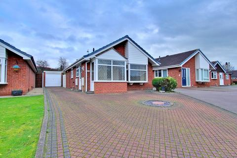2 bedroom detached bungalow for sale - Houting, Dosthill