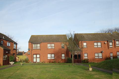 2 bedroom flat for sale - Warnes Close, Cromer