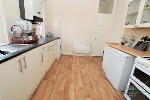 3 bedroom flat to rent - Wingrove Gardens, Fenham, Tyne & Wear
