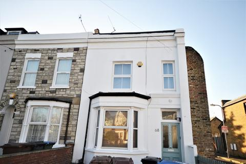 2 bedroom flat to rent - Woodhouse Road, Leyton, E11
