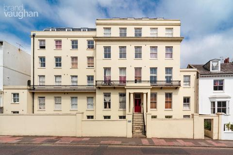 Studio to rent - St Annes House, 49 Buckingham Place, Brighton, BN1