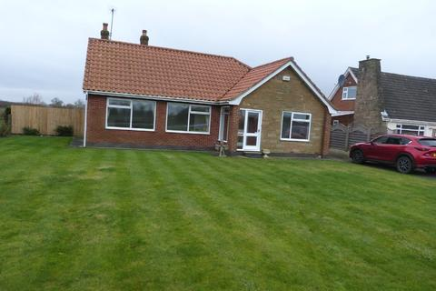 3 bedroom detached bungalow to rent - Newland, Eastrington