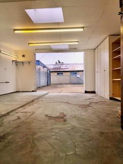 Industrial unit to rent - Wadham Road, Walthamstow, E17 4HU