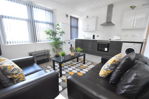 4 bedroom flat to rent - Crwys Road, Cathays, Cardiff