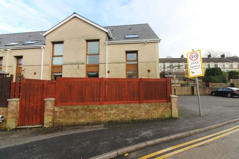 4 bedroom terraced house for sale - Richmond Terrace, Tredegar