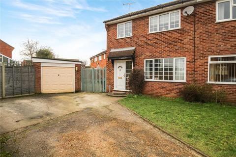 3 bedroom semi-detached house for sale - Wordsworth Road, Stowmarket, IP14