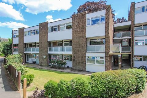 2 bedroom flat for sale - Queens Court, Queens Road, Hertford