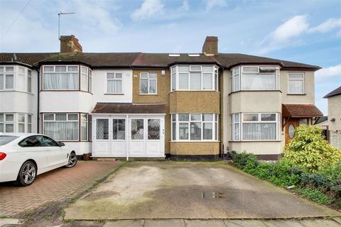 4 bedroom terraced house for sale - Southbury Avenue, Enfield, EN1