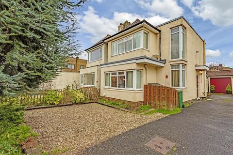 2 bedroom detached house for sale - Ballards Green, Burgh Heath, Tadworth