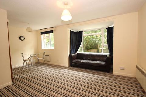 3 bedroom flat to rent - Southfield Park, Cowley