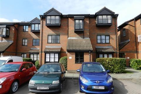 1 bedroom flat for sale - Gladbeck Way, Enfield