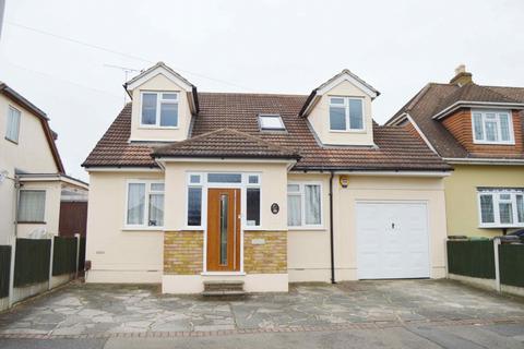 5 bedroom detached house for sale - Greenway, Harold Wood