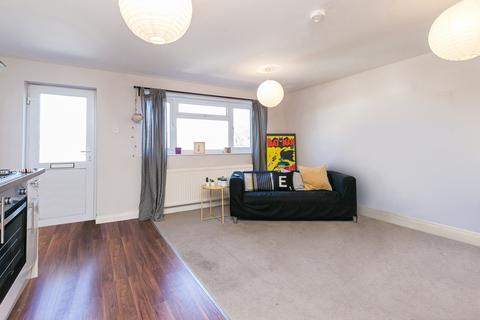 3 bedroom flat to rent - High Street, Walthamstow, E17