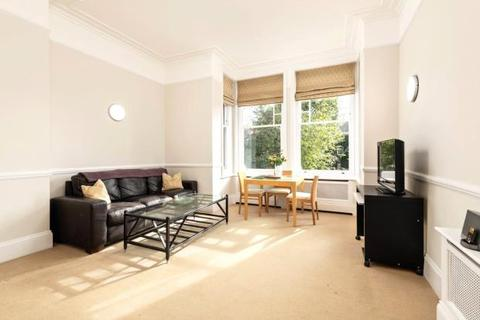 2 bedroom flat for sale - The Heights, Frognal, London, NW3