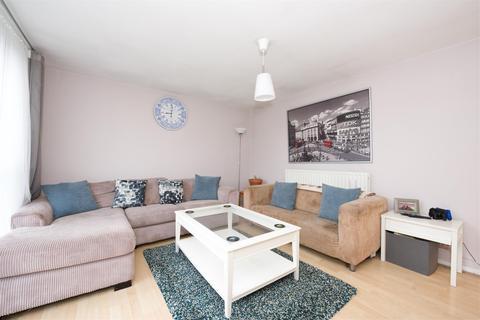 3 bedroom flat for sale - Siward Road, LONDON, SW17