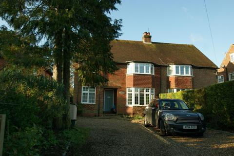 5 bedroom detached house to rent - Lakes Lane, Beaconsfield, HP9