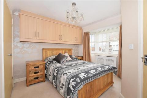 4 bedroom semi-detached house for sale - Passmore Way, Tovil, Maidstone, Kent