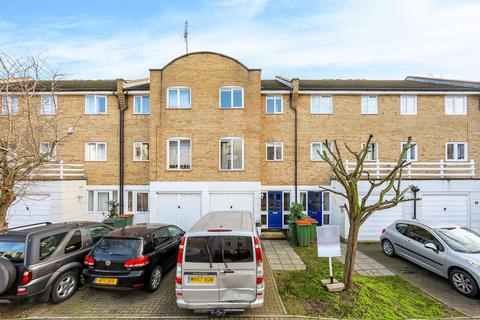 3 bedroom house to rent - Grimsby Grove, E16
