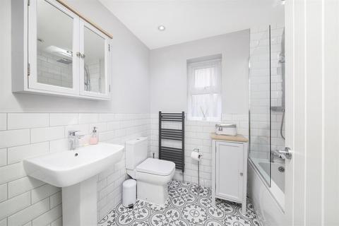 3 bedroom detached bungalow for sale - Lockey Croft, Wigginton, York, YO32 2FP