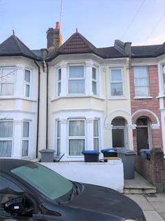 3 bedroom flat to rent - Churchill Road, London