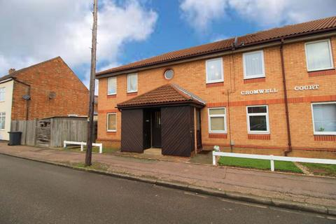 2 bedroom flat to rent - Cromwell Court, Farrer Street, Kempston, Bedford